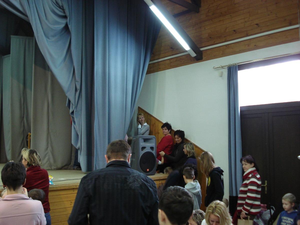 2010.12.04.<br />ÁDVENTI VÁSÁR<br />ADVENTSKI SAJAM